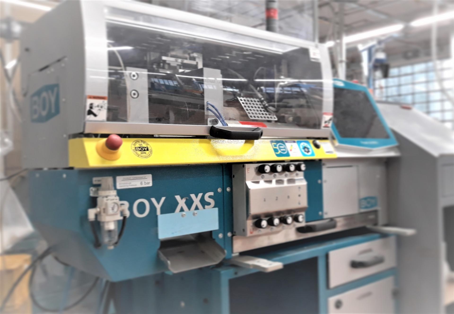 1 injection molding machine BOY